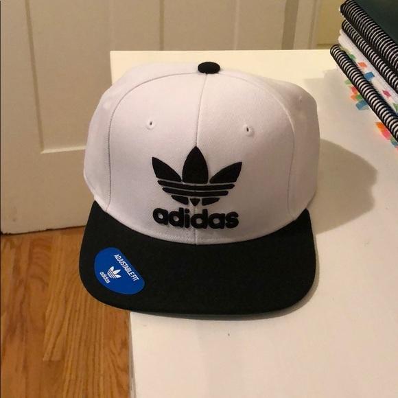 db0c399a7 Men's adidas SnapBack hat NWT